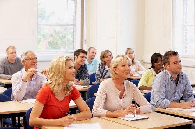 """<a href=""""https://alzaiacoaching.it/iac-coaching-mastery/""""><font color=""""#f4c65c"""">Scuola IAC Coaching Mastery</a></font><br><br>"""